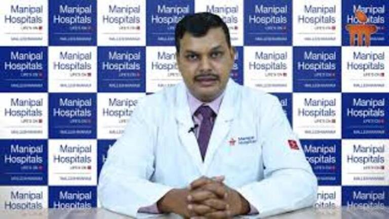 Dr__Vineet_Mannan_on_importance_to_paying_attention_to_ones_health___Manipal_Hospitals_Malleshwaram,_Bangalore_(1).jpg